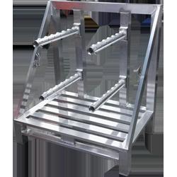 Aluminium-Sonderpalette mit Dornen zur Rollenführung von Hercher Metallbau