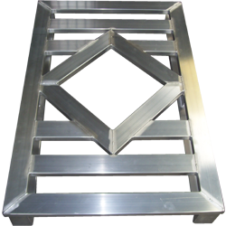 Aluminium-Sonderpalette mit Rautendeck von Hercher Metallbau